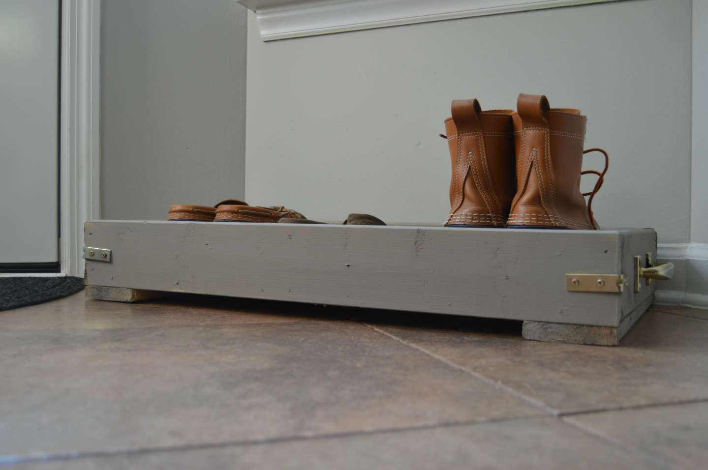 Do-It-Yourself Wood Boot Tray | I'm Fixin' To