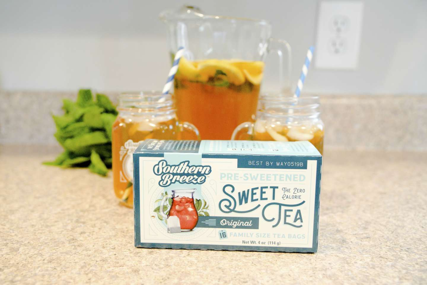 Mint Julep Sweet Tea with Southern Breeze Sweet Tea - I'm Fixin' To - @mbg0112